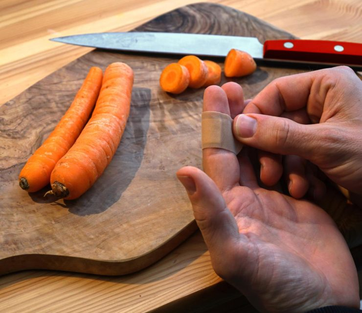 Vigyázz a késsel! – Így kerüld el a konyhai baleseteket