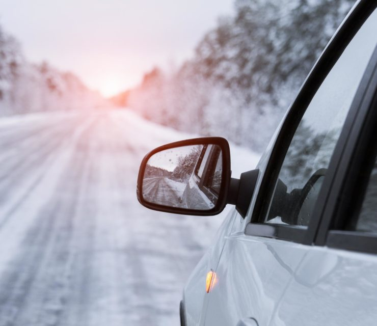 Közeleg a tél – biztonsági tippek autósoknak