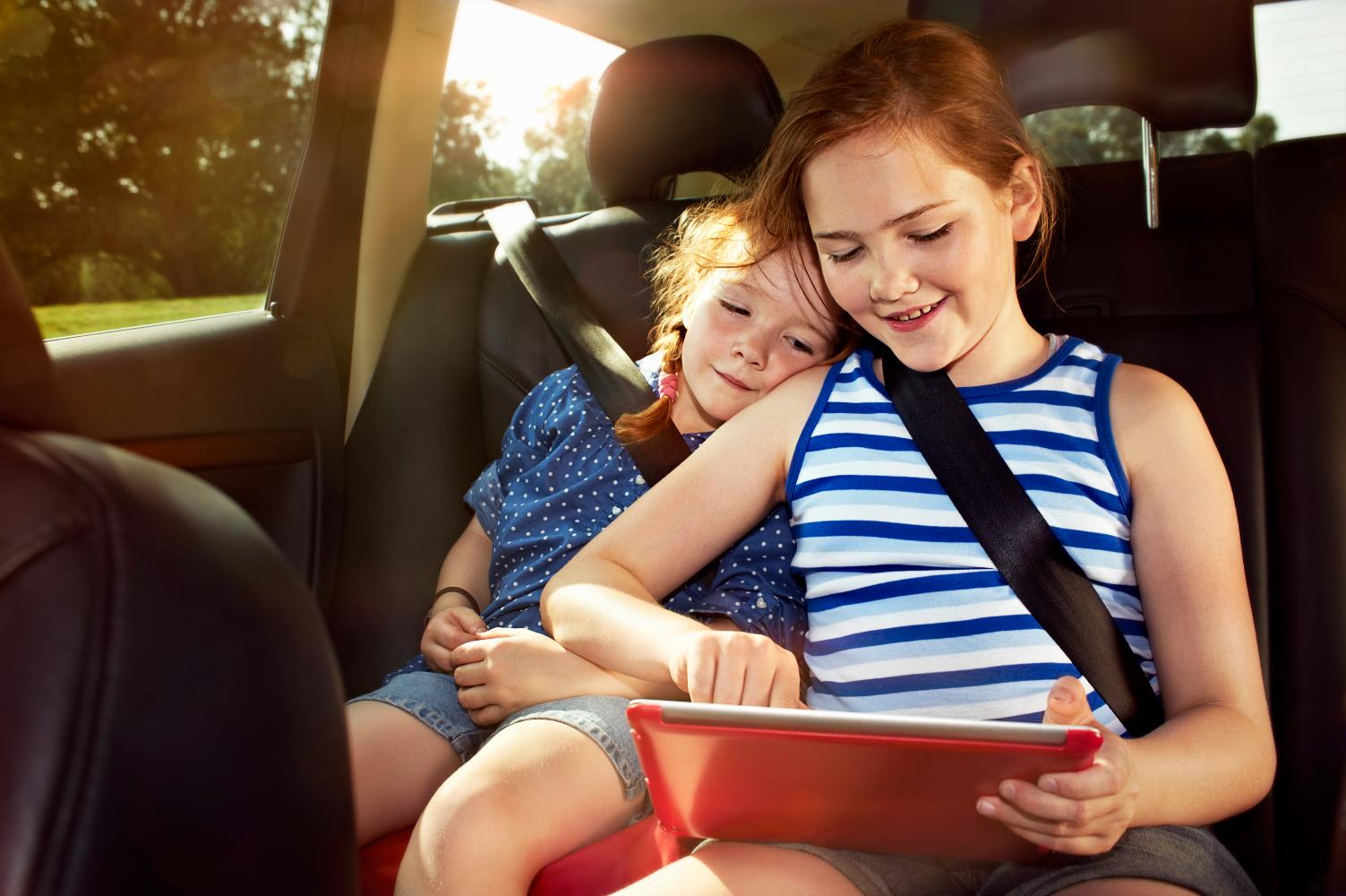 kicsik-a-kocsiban-igy-utazz-a-gyerekekkel